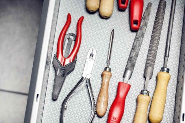 Augenoptiker Werkzeug pflegen